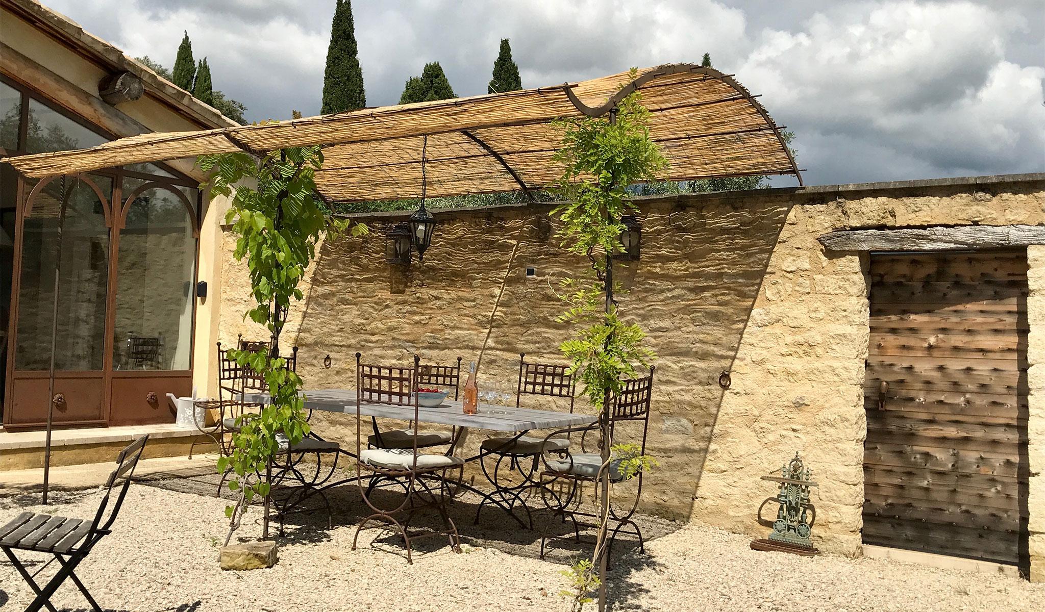 La Maison de Lune patio dining area