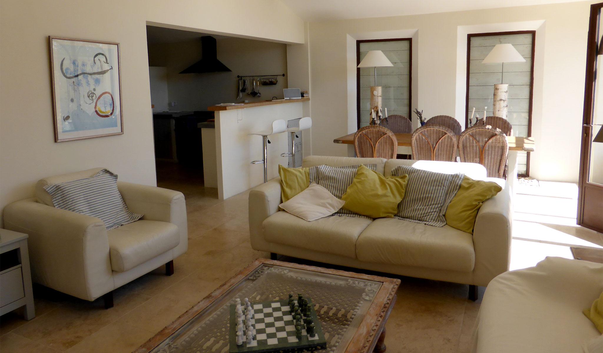 La Maison de Lune sitting/dining room